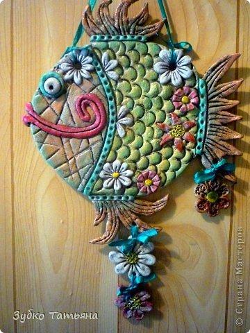 Поделка изделие Лепка Рыбка в цветах Тесто соленое фото 2