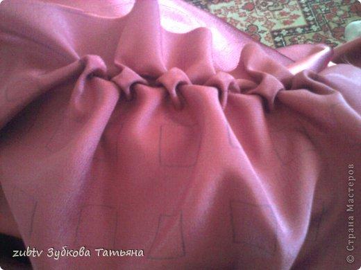 Эта подушка выполнена с использованием узора цветочек.  фото 9