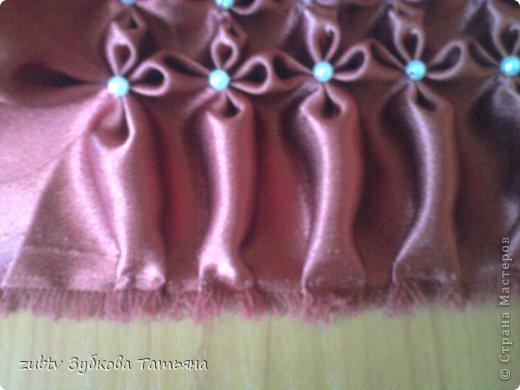 Эта подушка выполнена с использованием узора цветочек.  фото 10