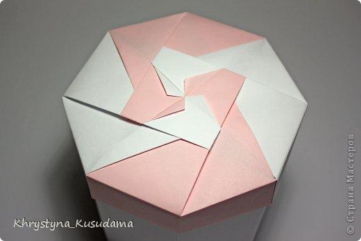 Флорамия (Floramia by Ekaterina Lukasheva) - моя давняя хотелка. легко разгадалась после цветочков Томоко Фусе http://www.origami-instructions.com/origami-modular-5-petal-flower.html они у меня вот здесь https://stranamasterov.ru/node/533650 фото 8