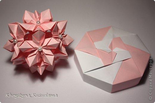 Флорамия (Floramia by Ekaterina Lukasheva) - моя давняя хотелка. легко разгадалась после цветочков Томоко Фусе http://www.origami-instructions.com/origami-modular-5-petal-flower.html они у меня вот здесь https://stranamasterov.ru/node/533650 фото 6