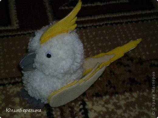 Как сделать попугая из ниток