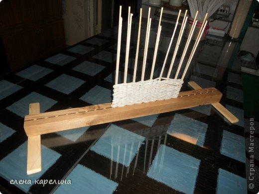 Как сделать станок для плетения из газетных трубочек 187