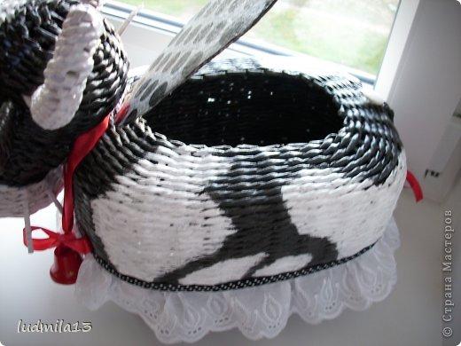 Поделка изделие Плетение коровушка плетеная Трубочки бумажные фото 3