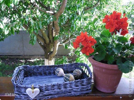 День добрый, мои хорошие жители Страны!!!!!  Всех рада видеть у себя в гостях!  А я все плету потихоньку...  Сегодня поделюсь с Вами очередной плетеночкой..... :))
