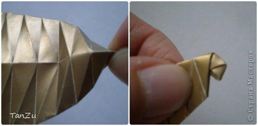 Всем огромный привет! Хочу поделиться со всеми процессом изготовления вот такой закрученной ракушки в технике оригами. Свою работу я назвала мастер-классом. Конечно же, ракушку и способ складывания этой поделки придумала не я, делала по видео-уроку с сайта Планета оригами http://planetaorigami.ru/2012/07/zakruchennaya-rakovina-po-sxeme-tomoko-fuse/  А я хочу показать вам этапы своей работы с пояснениями, которые, я надеюсь, значительно облегчат труд желающим сложить такую ракушку. Сама я раз пятнадцать пересматривала видео, пока точно не посчитала необходимое количество сложений. Если модераторы не посчитают мою запись мастер-классом, то я не обижусь. Сначала советую посмотреть видео, а потом следовать моему Мк. Фотографий будет много, но не пугайтесь, на самом деле все не так сложно, вторую ракушку, которую я вам здесь представляю, я делала уже практически по памяти. Как говорится, глаза боятся, а руки делают! фото 17