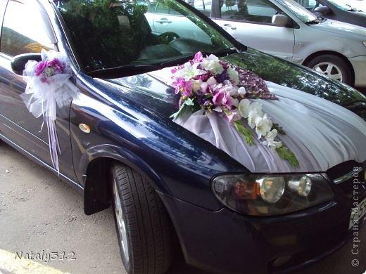 Как же не быть свадебному настроению, если мой сын сегодня женился?! И хоть свадьбы не было (молодые предпочли сразу уехать на юг), бутылочки с бокалами я все же оформила. фото 10