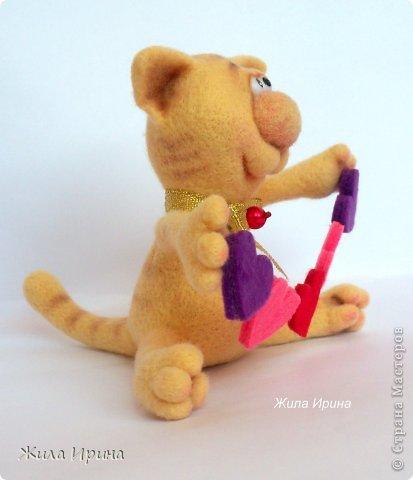 Обаятельный котик сразит наповал любую даму :-)  Высота игрушки 10, 5 см от попы до края ушка. фото 2