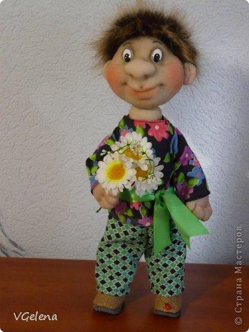 Всем доброго дня! Я начала шить капроновые куклы примерно полгода назад, моя подруга Женя мне часто помогает советами. Вот из очередного ее совета я решила сделать небольшой мастер-класс. Сама давно хотела большую серьезную куклу, чтобы ручки-ножки двигались и сгибались. Вот что из этого вышло, надеюсь кому-то пригодится! Знакомтесь - это Ванюша! фото 1