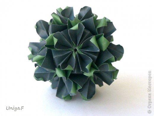 """Добрый день, коллеги!  И так, приступаю к обвальному затуториаливанию.  Незапланированный опрос общественного мнения показал, что эта кусудама наиболее желанна. С нее и начнем. МК в студию!   Name: Milisenta collection """"Ribbon Flowers""""  Designer: Uniya Filonova  Units: 30  Paper: 3*15 cm (1:5) Final height: ~ 9 cm  Joint: no glue фото 1"""