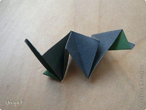 """Добрый день, коллеги!  И так, приступаю к обвальному затуториаливанию.  Незапланированный опрос общественного мнения показал, что эта кусудама наиболее желанна. С нее и начнем. МК в студию!   Name: Milisenta collection """"Ribbon Flowers""""  Designer: Uniya Filonova  Units: 30  Paper: 3*15 cm (1:5) Final height: ~ 9 cm  Joint: no glue фото 20"""