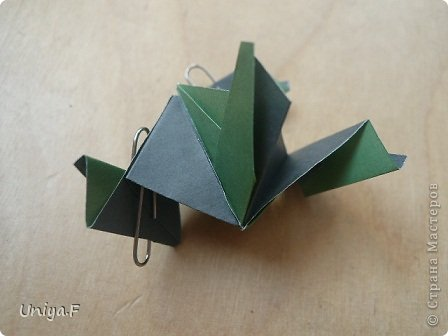 """Добрый день, коллеги!  И так, приступаю к обвальному затуториаливанию.  Незапланированный опрос общественного мнения показал, что эта кусудама наиболее желанна. С нее и начнем. МК в студию!   Name: Milisenta collection """"Ribbon Flowers""""  Designer: Uniya Filonova  Units: 30  Paper: 3*15 cm (1:5) Final height: ~ 9 cm  Joint: no glue фото 22"""