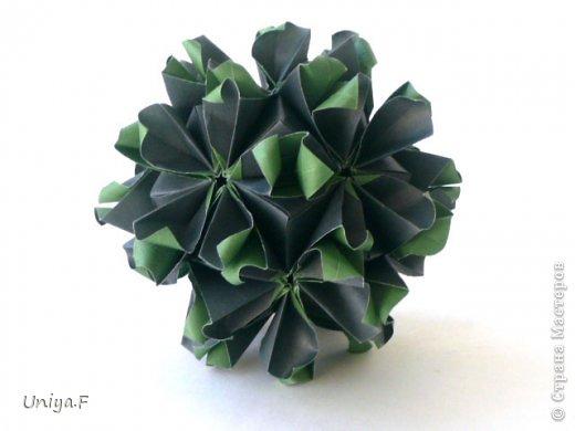 """Добрый день, коллеги!  И так, приступаю к обвальному затуториаливанию.  Незапланированный опрос общественного мнения показал, что эта кусудама наиболее желанна. С нее и начнем. МК в студию!   Name: Milisenta collection """"Ribbon Flowers""""  Designer: Uniya Filonova  Units: 30  Paper: 3*15 cm (1:5) Final height: ~ 9 cm  Joint: no glue фото 24"""