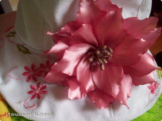 этот цветок расцвёл на шляпке у дочери фото 1