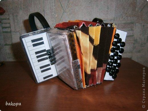 Музыкальный инструмент своими руками поделка фото
