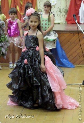 Платье для девочки своими руками из мусорных пакетов