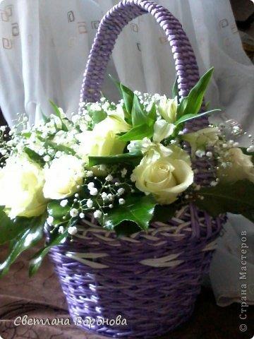 Моя первая корзинка по делу! Пригласили на свадьбу к дочери подруги. Плела от души! Не рискнула сама украшать цветами-сходила в цветочный салон. фото 4