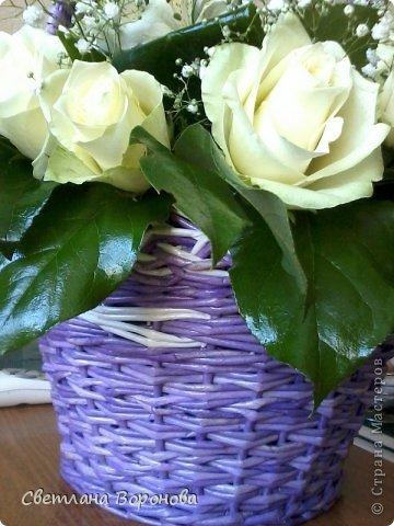 Моя первая корзинка по делу! Пригласили на свадьбу к дочери подруги. Плела от души! Не рискнула сама украшать цветами-сходила в цветочный салон. фото 3