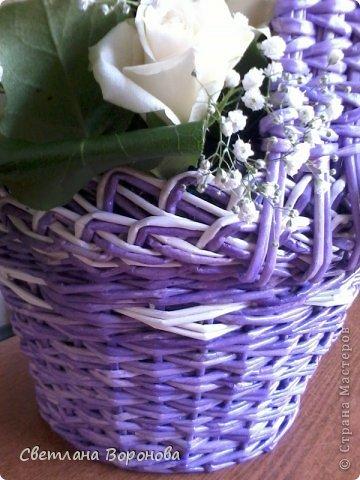 Моя первая корзинка по делу! Пригласили на свадьбу к дочери подруги. Плела от души! Не рискнула сама украшать цветами-сходила в цветочный салон. фото 2