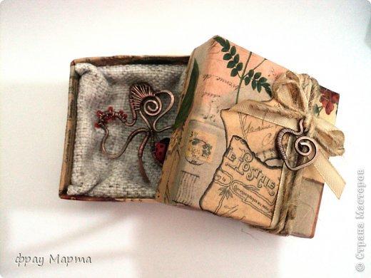 Брошь из медной проволоки и подарочная коробочка к ней. фото 1