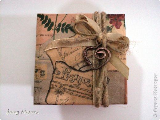 Брошь из медной проволоки и подарочная коробочка к ней. фото 2