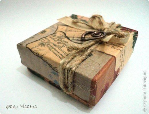 Брошь из медной проволоки и подарочная коробочка к ней. фото 3