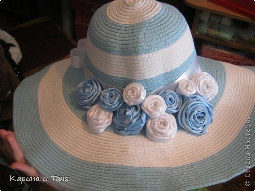 Здравствуйте мастера и мастерицы!!! Хочу Вам показать как я украсила шляпу.С детства мечтала иметь шляпу украшенную цветами. И вот моя мечта сбылась!!!!! фото 8