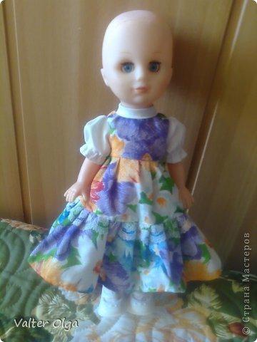Попалась мне в руки вот такая лысая куколка в рваном платьице. Присмотрелась - симпотяжка! Надо было срочно реанимировать. фото 1
