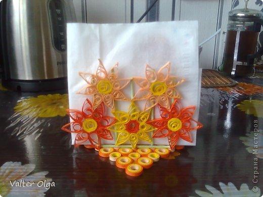 В школе (вернее - в пришкольном лагере) дочки объявили конкурс на салфетницы для школьной столовой. Вот что мы с Алинкой соорудили: фото 1