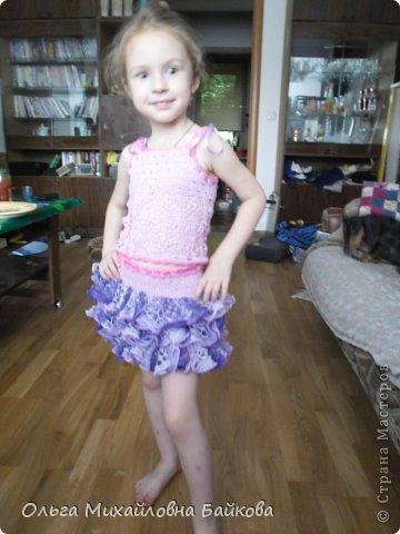 Связала для внучки костюм.Помогите со схемой для косыночки.Пожалуйста!!!! фото 1