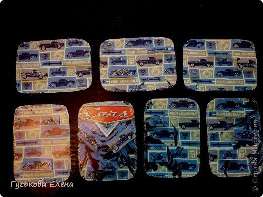 Приглашаются кредиторы!!!!!!!!!!!!!!!!!!!!!!На каждой карточке края  обведены глиттером...на двухсторонний спененный скотч прикреплены картинки -дубляжи.....по 3 на каждой карточке....каждая из них покрыта глиттером.. фото 1