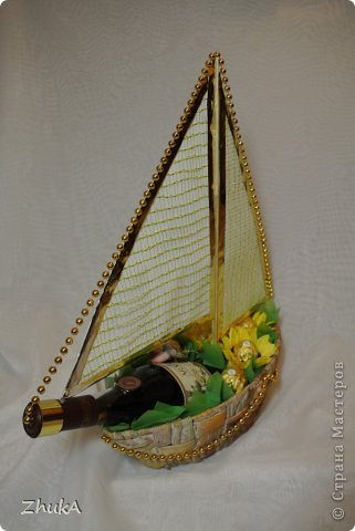 Всем доброго времени суток! Решила показать Вам свои последние поделки. Это кораблик. Для нашего родственника - дядечки пенсионного возраста. На скорую руку, так что, не судите строго;-) фото 2
