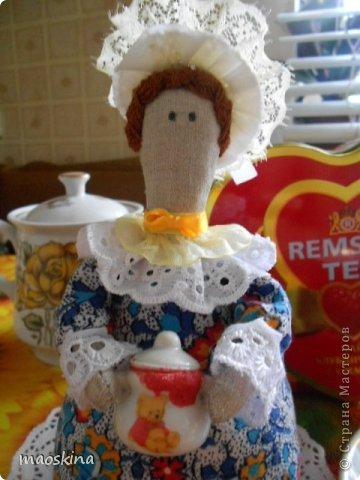 С баночкой варенья Тильда чайная выглядит как-то по-домашнему фото 1