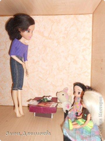 Не дождавшись окончания вечеринки в честь дня рождения Элин, Триша вернулась в свою комнату. Утирая воспаленные от слез глаза, она присела около кроватки Томоко. - Милая, надеюсь ты не обижаешься на меня за то, что в нашей маленькой семье нет мужчины...  фото 25