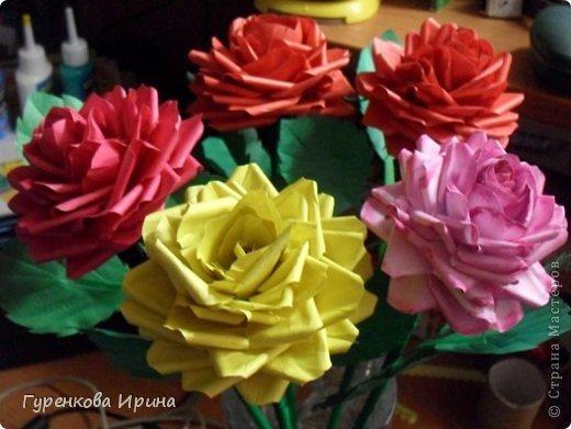 Розы делала в садик для подруги, точнее - дочке её, украшать группу к 8 марта. А яйцо подарила врачу, я с дочкой каждый год лежим в больнице  (в реабелитационом центре).  фото 40