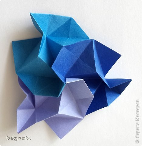 Всем доброго дня!  Разрешите представить кусудаму Clare и МК на нее. Сначала параметры:  Name: Clare Designer: Tatyana Andreychikova Parts: 30 Paper size: 7,5 x 7,5 cm Final height: 13 cm Joint: no glue фото 14