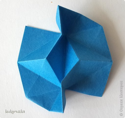 Всем доброго дня!  Разрешите представить кусудаму Clare и МК на нее. Сначала параметры:  Name: Clare Designer: Tatyana Andreychikova Parts: 30 Paper size: 7,5 x 7,5 cm Final height: 13 cm Joint: no glue фото 9