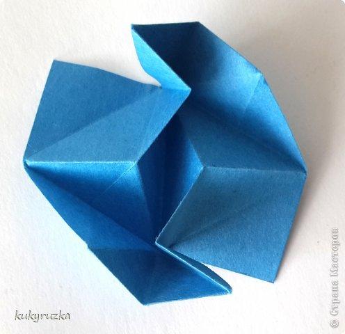 Всем доброго дня!  Разрешите представить кусудаму Clare и МК на нее. Сначала параметры:  Name: Clare Designer: Tatyana Andreychikova Parts: 30 Paper size: 7,5 x 7,5 cm Final height: 13 cm Joint: no glue фото 10