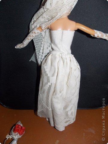 Приветик!!!!!Так давно хотелось сшить свадебное платье,но не могла!!!Обыскала весь интернет,но никак,то сложно,то выкройки(я в выкройках не понимаю и ищу,что полегче).Взяла белую ткань и тюль ненужную и давай творить!! фото 5