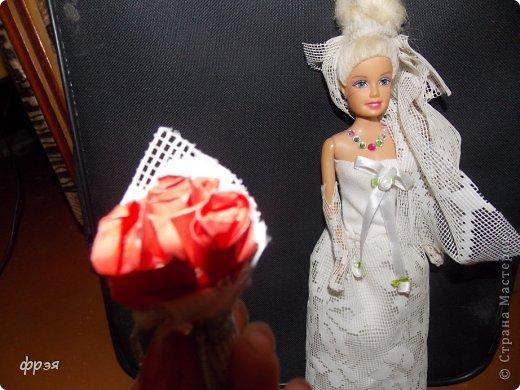 Приветик!!!!!Так давно хотелось сшить свадебное платье,но не могла!!!Обыскала весь интернет,но никак,то сложно,то выкройки(я в выкройках не понимаю и ищу,что полегче).Взяла белую ткань и тюль ненужную и давай творить!! фото 6