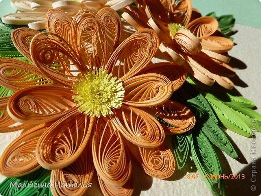 Всем привет! Вот созрел у меня такой цветочек, а точнее букетик. Буду открывать частями (уголочками): Один уголочек... фото 1