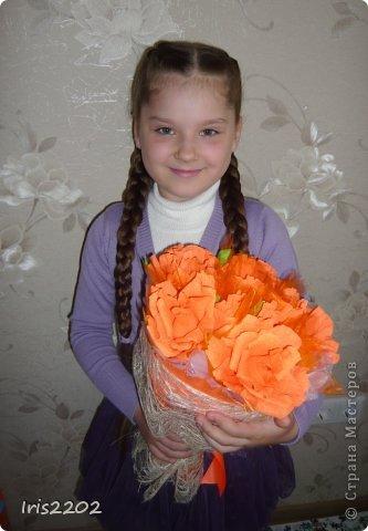 """Всем здравствуйте! Мое новое творение - """"ОРАНЖЕВОЕ НАСТРОЕНИЕ""""!!!  Букет из конфет в подарок учителю моей дочурки в последний день учебного года...  фото 4"""