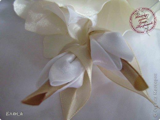 Доброго времени суток))) Это снова я, со своими новыми работами, или одной работой??? цветочков много 1 большой цветок (15х20), 2 средних цветочка размером 10 см, и два маленьких по 8 см. Такие цветочки сделала я в подарок для прекрасного человека и замечательного мастера Оксаночки Рябинкиной))) https://stranamasterov.ru/user/196206 И вот выкладываю на ваш суд, буду рада любым вашим комментариям, ведь пока они на моем столе можно что-то добавить или наоборот убрать, изменить, ведь так хочется, что бы моя хорошая, с гордостью носила мои украшения))))) фото 4