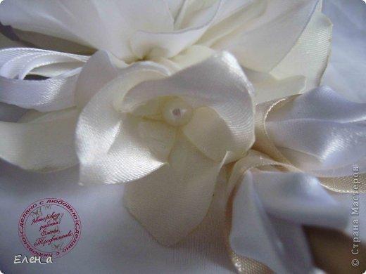 Доброго времени суток))) Это снова я, со своими новыми работами, или одной работой??? цветочков много 1 большой цветок (15х20), 2 средних цветочка размером 10 см, и два маленьких по 8 см. Такие цветочки сделала я в подарок для прекрасного человека и замечательного мастера Оксаночки Рябинкиной))) https://stranamasterov.ru/user/196206 И вот выкладываю на ваш суд, буду рада любым вашим комментариям, ведь пока они на моем столе можно что-то добавить или наоборот убрать, изменить, ведь так хочется, что бы моя хорошая, с гордостью носила мои украшения))))) фото 5