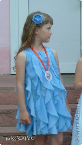 Моя старшая дочка стала совсем взрослой :) у нее прошел первый выпускной - из детского сада. Платье разумеется шила сама. фото 2