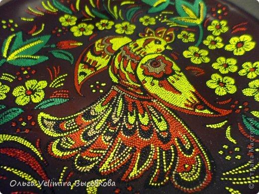 Имитация хохломской росписи, выполненная в технике точечной росписи (point-to-point) фото 3