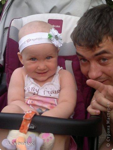 Мой первый цветочек Канзаши - ромашка, решила украсить им повязку на голову своей любимой дочурке. извиняюсь за качество фото, снимала на телефон фото 3