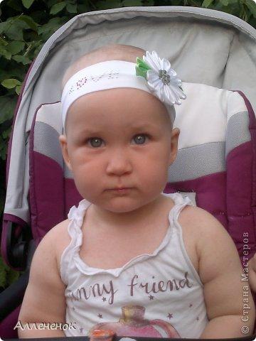 Мой первый цветочек Канзаши - ромашка, решила украсить им повязку на голову своей любимой дочурке. извиняюсь за качество фото, снимала на телефон фото 2