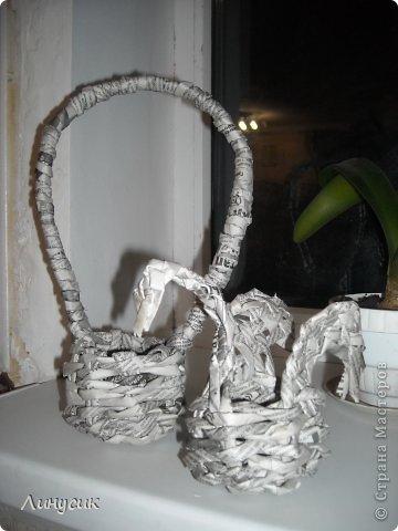 Итак. мы встретились!  К нам в гости приехали мастера своего дела -  художник Андрей Геннадиевич.  Ольга с мастер-классом по куклам-мотанкам  и Ира с плетеночками.  Это у нас в бытовой комнате. фото 17