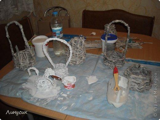 Итак. мы встретились!  К нам в гости приехали мастера своего дела -  художник Андрей Геннадиевич.  Ольга с мастер-классом по куклам-мотанкам  и Ира с плетеночками.  Это у нас в бытовой комнате. фото 33
